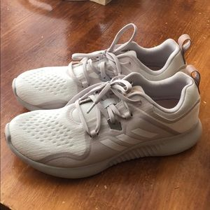 Adidas women's Edge Bounce shoe